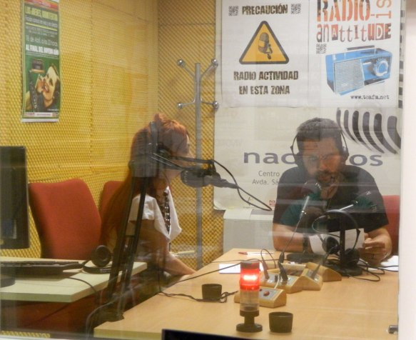 """Angélica Morales y Fran Picón en """"Con Versos en la noche"""" (Tea FM radio,21/06/2016)"""